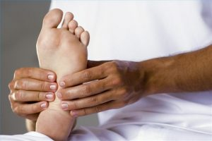 footmassage 300x200 - Massage